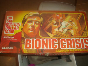 Vintage 1975 BIONIC CRISIS-The Six Million Dollar Man BOARD GAME