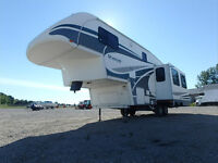 2006 Titanium 28E335B 5th Wheel