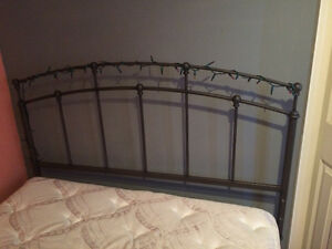 Twin size bed for sale(Great condition) Windsor Region Ontario image 3