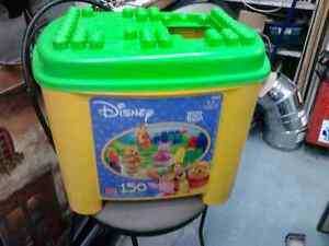 Très Gros Bac Mega Blok (150) Winnie The Pooh Tres propre