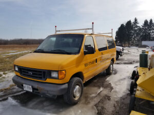 2005 Ford E-350 work van