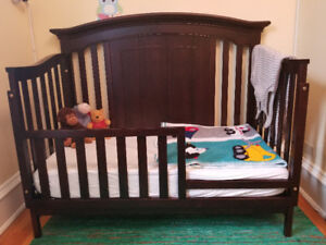 Baby Cache Windsor Lifetime 3 in 1 Crib + conversion kits