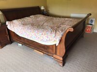 Willis & Gambier king size sleigh bed