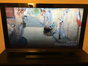 "Sony Bravia EX5 40"" HD 1080p Flat Screen TVo"