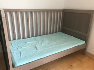 Great condition IKEA crib and mattress