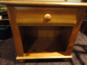 High End Lane Knotty Pine End Table Made in USA