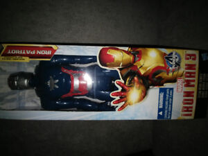 Figurine Iron Patriot