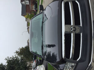 2016 Ram pickup truck 1500 4x4 3.6 engine 24,000km