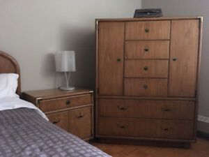 Magnificent six-piece bedroom set in solid wood  by Drexel