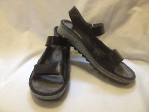 Ladies New Blk Leather Naot Sandals From 2018 Summer Season 37M