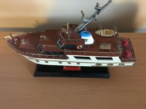 VINTAGE TRANSISTOR  BOAT YACHT RADIO FROM THE 60'S