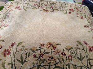PPU. 8' x 10' area rug. Perfect condition