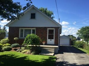 ALL INCLUSIVE HOUSE: ROOMs for RENT-Walks to Fanshawe College