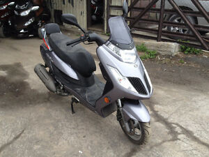 2009 Kymco Frost 200I Scooter. Top Shape!