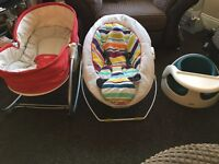 Baby bed/seat, sings and vibrates