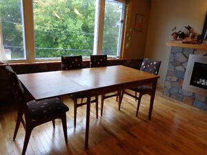 Extendable mid-century teak dining table Gatineau Ottawa / Gatineau Area image 2