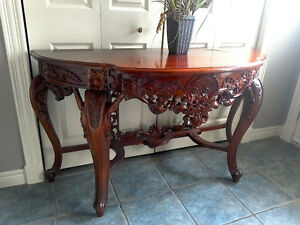 Absolutely exquisite antique table
