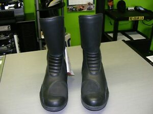 TCX Boots - GORE-TEX - Size 7 - NEW at RE-GEAR Kingston Kingston Area image 2