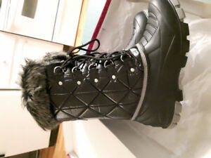 Brand New Winter Boots! Beautiful looking boots!