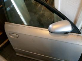 Audi a4 b7 drivers door