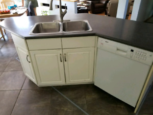 Kitchen Craft island and countertop for sale!! Cheap!!
