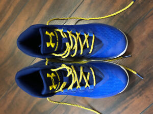 Boys Under Armour Shoes - Size 6