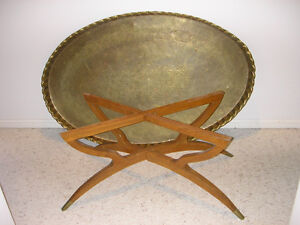 Mid-Century Large Oval Brass Tray Table with Spider-Leg