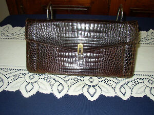 Sac en véritable alligator 115$