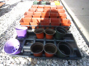 REDUCED PRICE-great starter pots & trays -STRATHROY London Ontario image 2