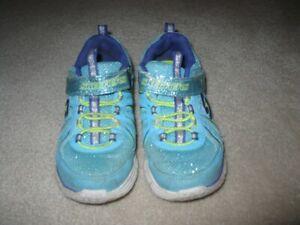 Girl's Sketchers Velcro Sneakers