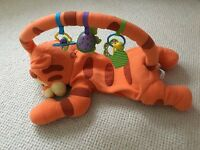 Tigger play mat with toys