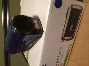 Beautiful camcorders barely ever used comes with original box