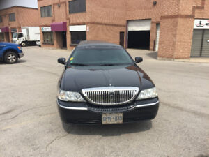New Price !! 2007 Lincoln Town Car Stretched Limousine