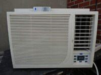 12,000 BTU Carrier Air conditioner / climatiseur