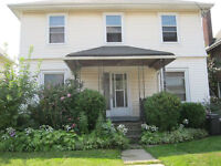 3 BIG BEDROOMS---STUDENT APARTMENT---VIEW TODAY