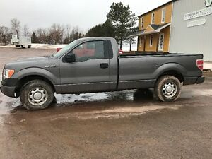 2010 Ford F-150 XL, low km's, new inspection