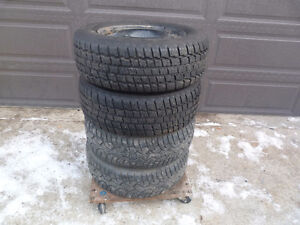 4 225/60R16 COOPER Weather Master S/T2 Tires on Steel Rims