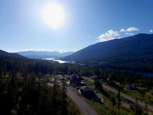 Acreage overlooking Kootenay Lake