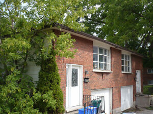 Spacious 5 bedroom Semi great location for students! UW or WLU
