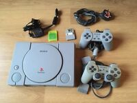 PlayStation 1, 2x Controllers and 10x Games