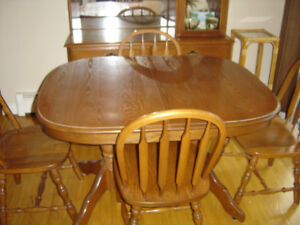 4 to 6  Person Dining Set