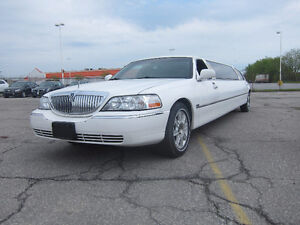 2006 Lincoln Town Car Limousine by Tiffany