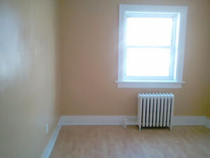 1 Bedroom Downtown Kitchener Apartment - Available Dec 1st Kitchener / Waterloo Kitchener Area image 3
