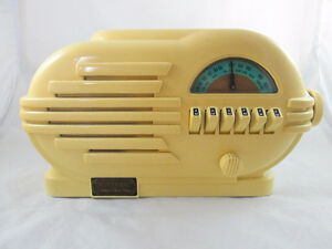 CROSLEY CR-3 COLLECTOR'S LIMITED EDITION RADIO W/CASSETTE PLAYER