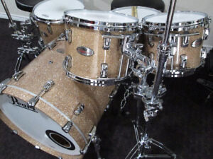 Pearl Reference Drum Kit. Mint shape. Champagne Glitter finish.