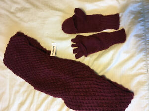 Brand new Loop Scarf and Mitts