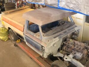 1978 FORD F100  2.0 INLINE 6ZYL  3 SPEED COLUM SHIFT