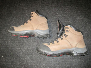 Hiking Boots, Mens, Size 8, MEC, Leather, barely worn