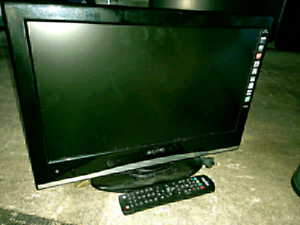 Sanyo tv 47cm with remote $50