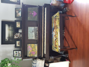 Piano and organ for sale must be picked up no drop offs